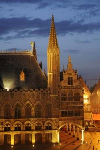 Ypres cloth hall at dusk low light photo technique tutorial