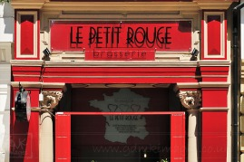 Entrance to a brasserie called le petit rouge